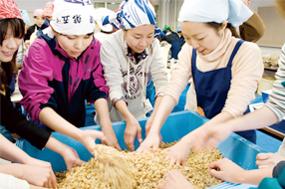 発酵の里・神崎での味噌づくり(千葉県)