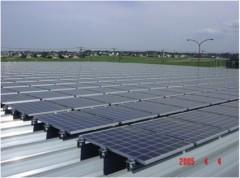 高崎市場青果保冷庫棟太陽光発電施設 外観
